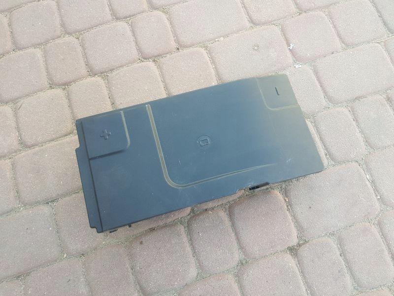 корпус крышка батареи opel insignia 13330946