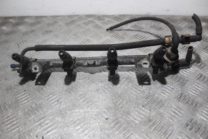 Picture of FUEL RAIL FORD FOCUS I MK1 1.8 16V