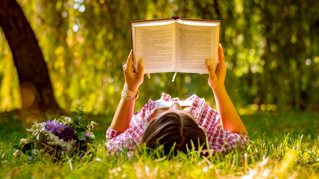 6 najlepszych nowych powieści obyczajowych do przeczytania latem 2020