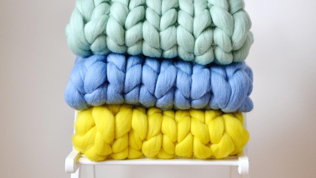 Co można stworzyć techniką arm knitting?