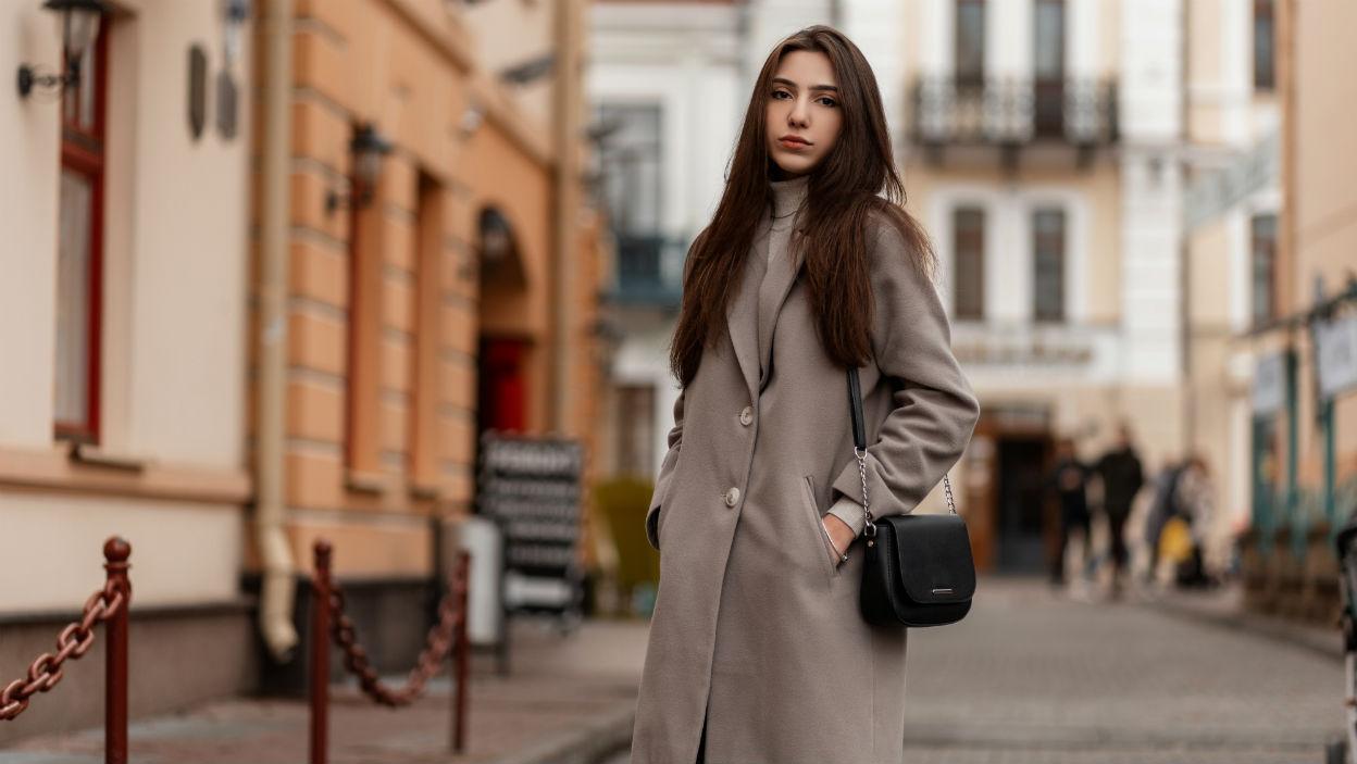 Płaszcz maxi – 3 stylizacje na różne okazje