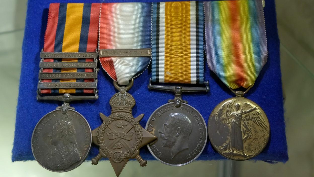 Odznaczenia wojskowe i okolicznościowe – poradnik kolekcjonera