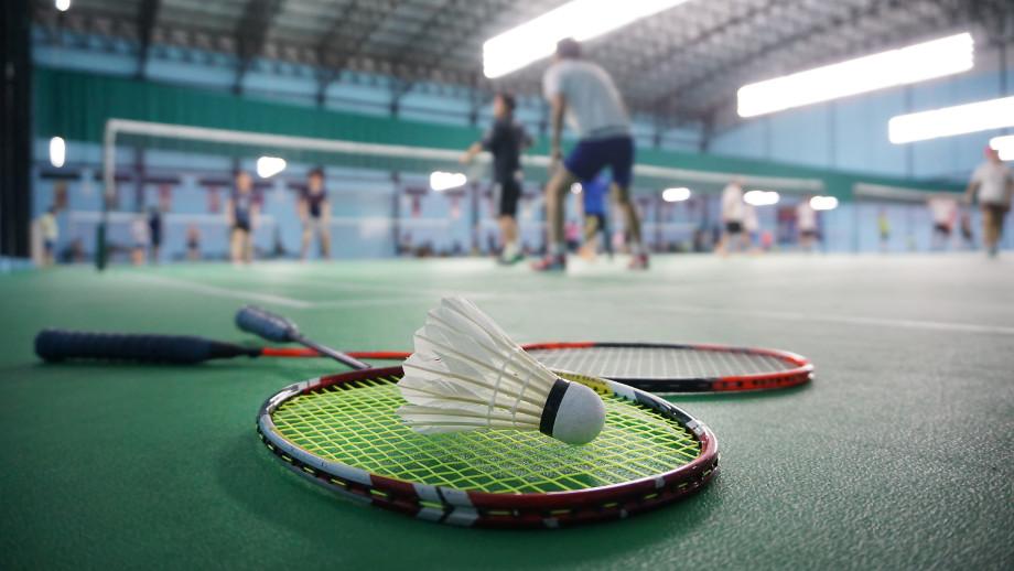 Badminton w hali – niezbędne akcesoria