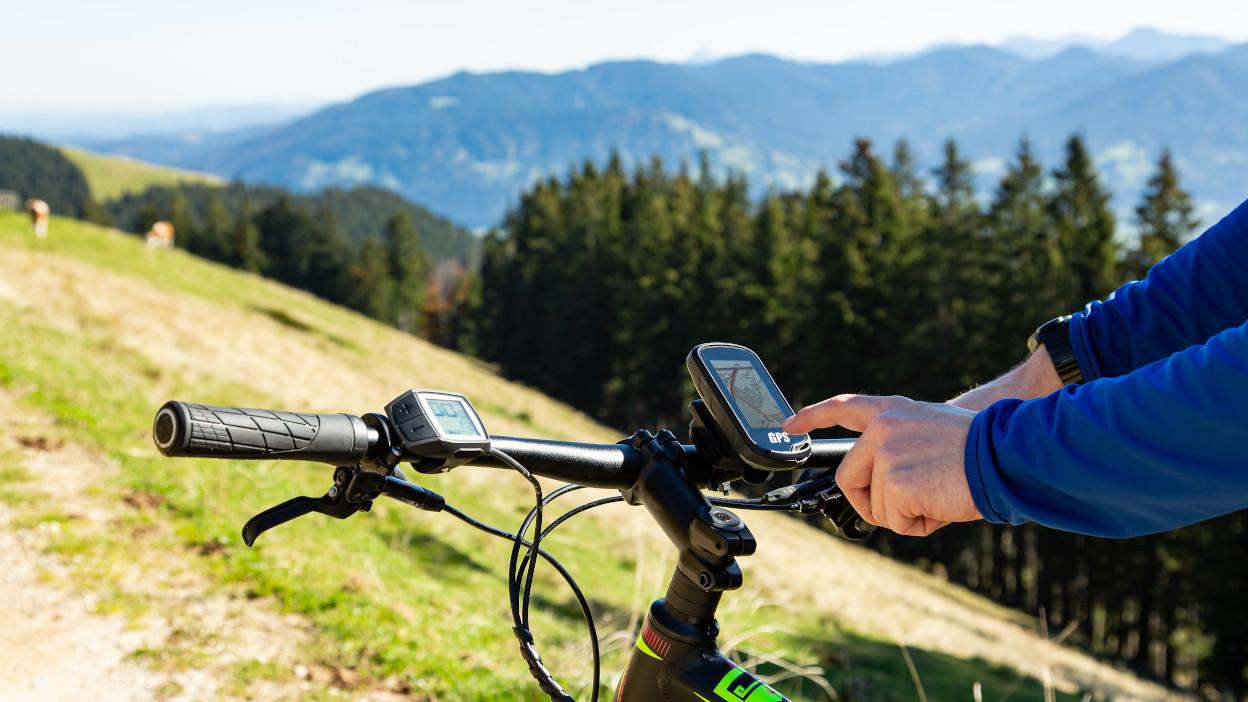 Liczniki rowerowe z GPS do 1000 zł