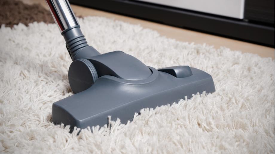 Jak czyścić dywan shaggy?