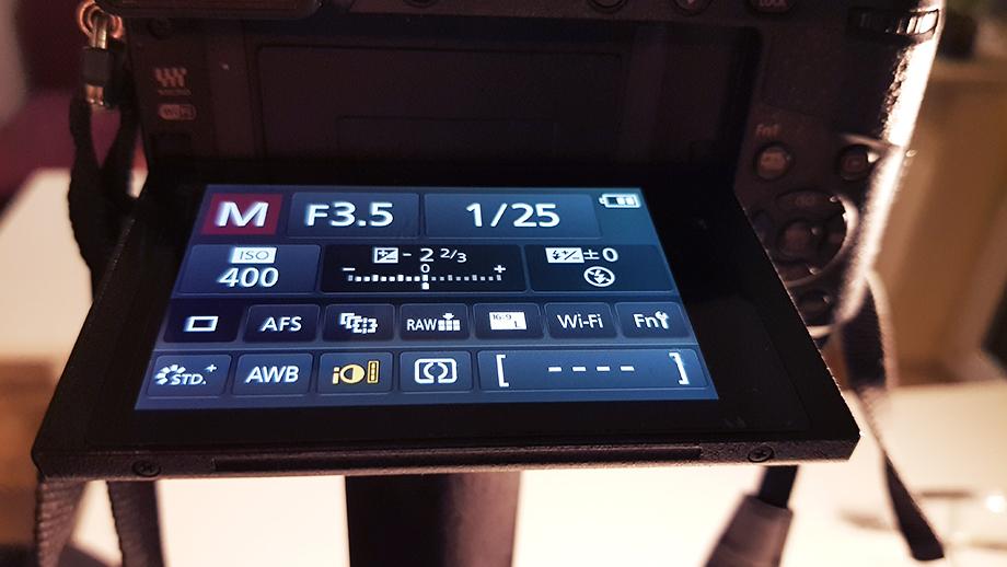 vlogowanie - aparat z odchylanym ekranem