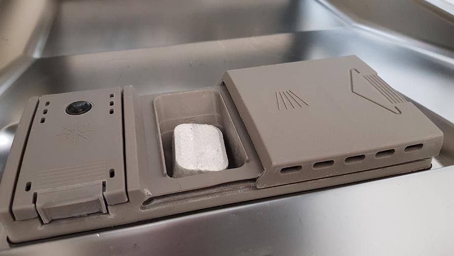 zmywarka pojemnik na tabletki