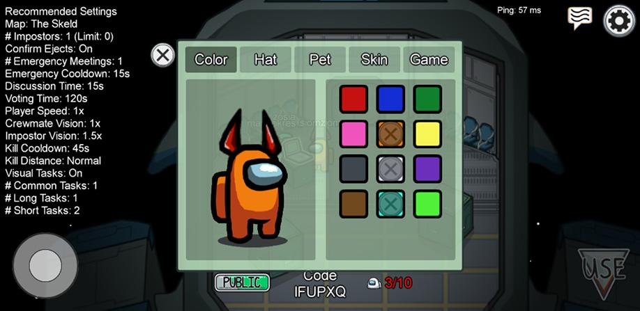 Panel customizacji postaci w grze Among Us.