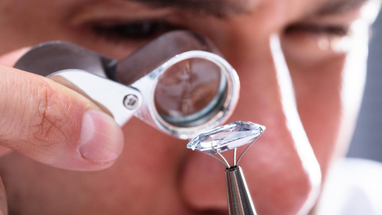 Jakie certyfikaty powinny posiadać diamenty?