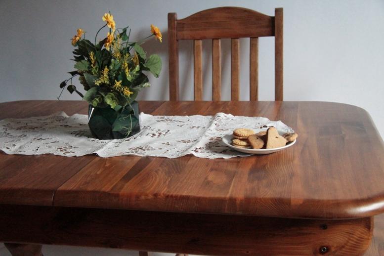 Odnawianie stołu i krzeseł