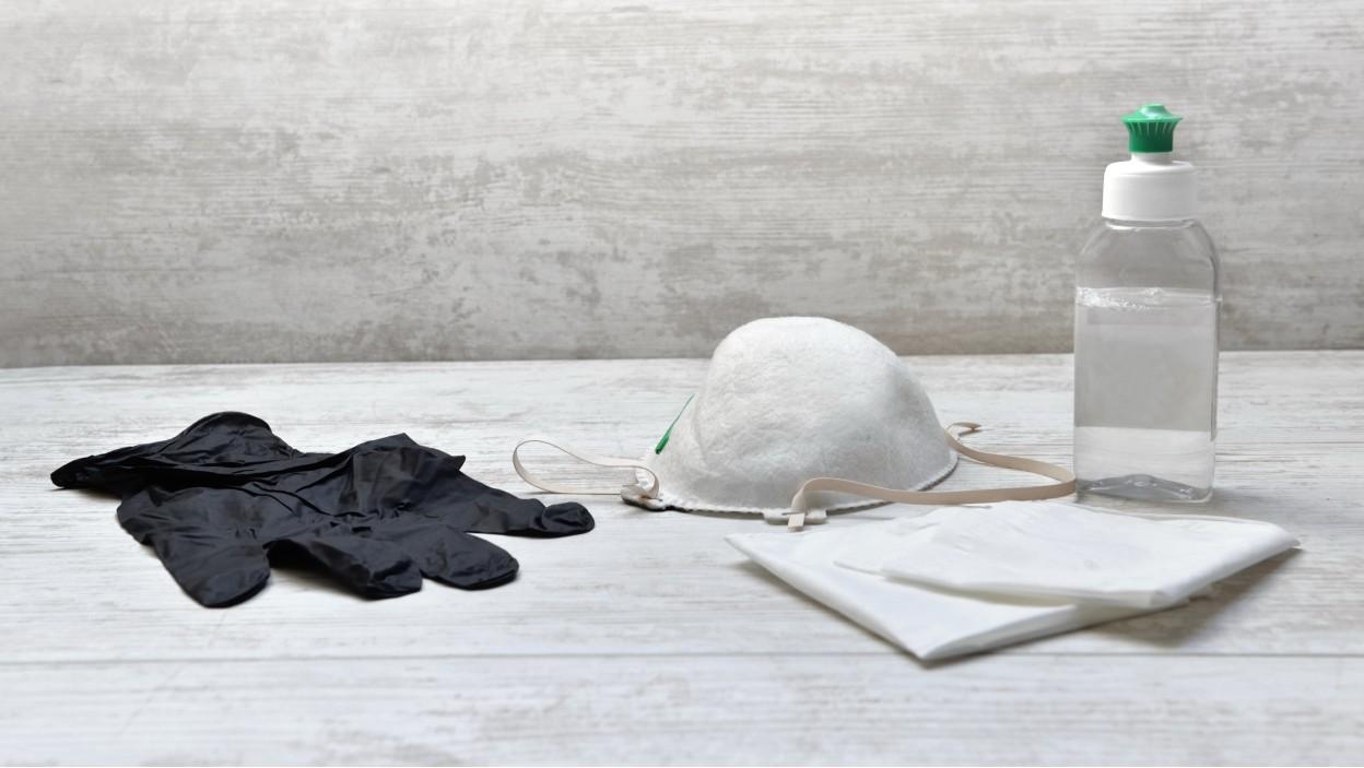 Zabezpiecz pracownika – maseczki, przyłbice, płyny do dezynfekcji