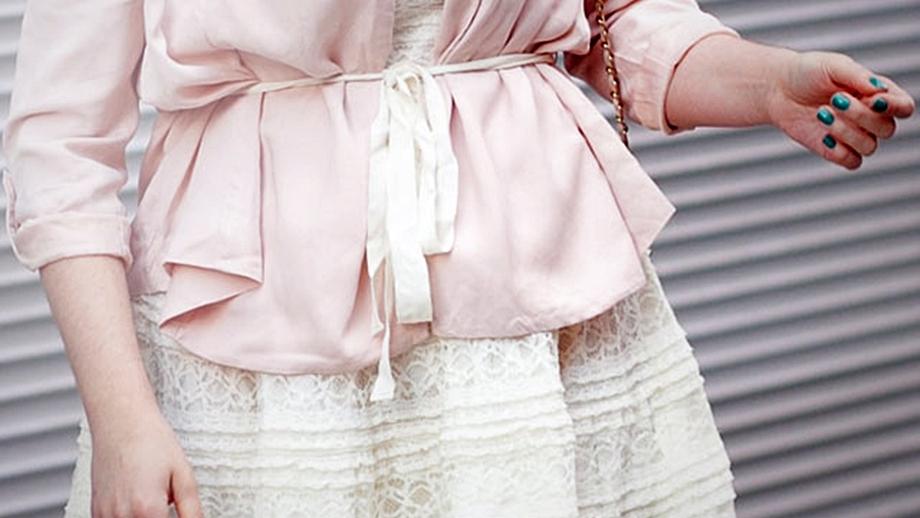 Letnie sukienki – jak i z czym nosić?