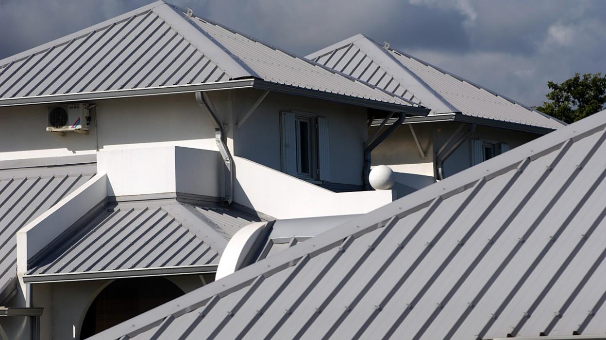 Blacha trapezowa – na dach i elewację. Wszystko, co musisz wiedzieć