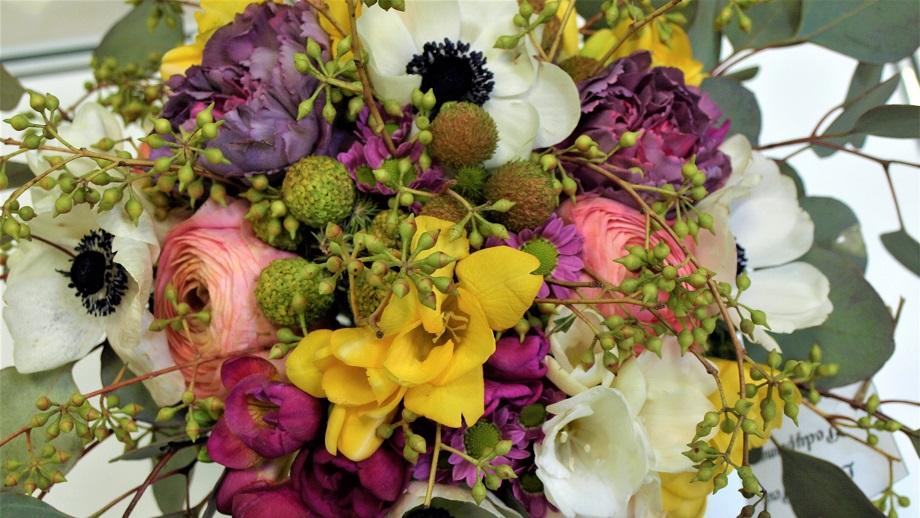 Florystyka – ogród pełen kwiatów do bukietu