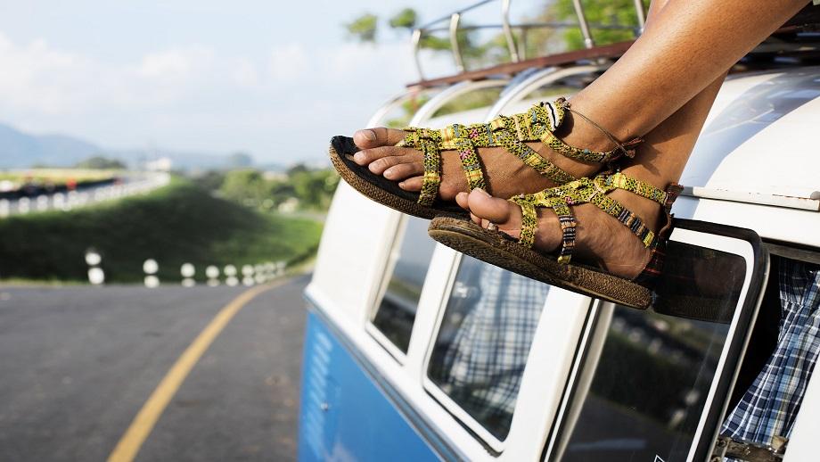 Sandały dla niej - sportowe czy klasyczne