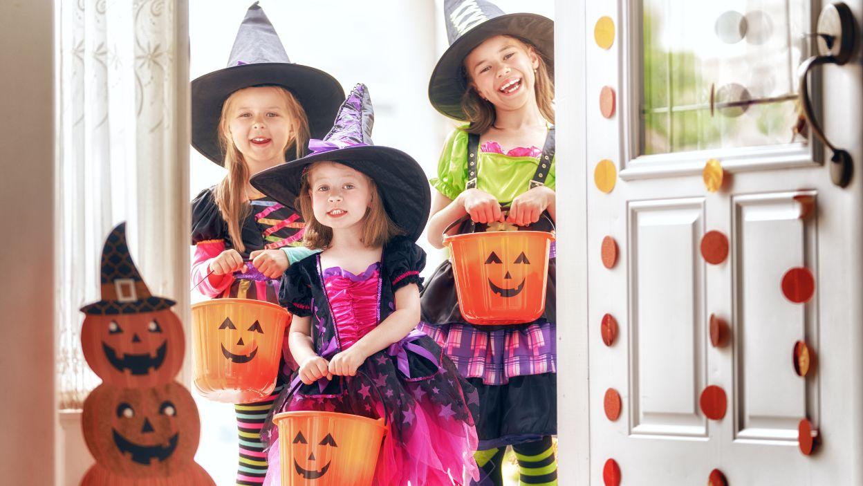 Cukierek albo psikus! Tymi upiornymi słodyczami poczęstuj dzieciaki w Halloween 2021. Będą zachwycone!
