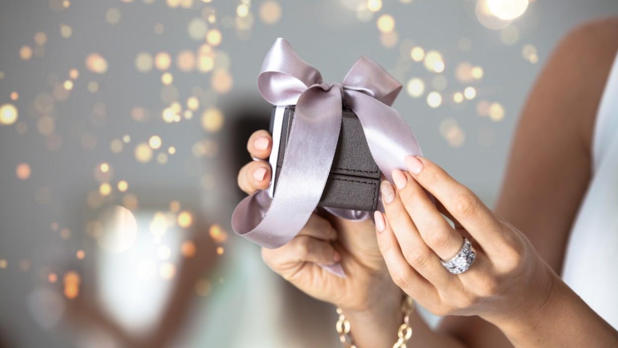 Trendy biżuteria na prezent dla niej
