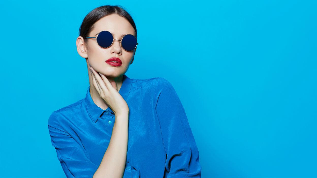 Najpiękniejsze ubrania i dodatki w kolorze roku Pantone – Classic Blue