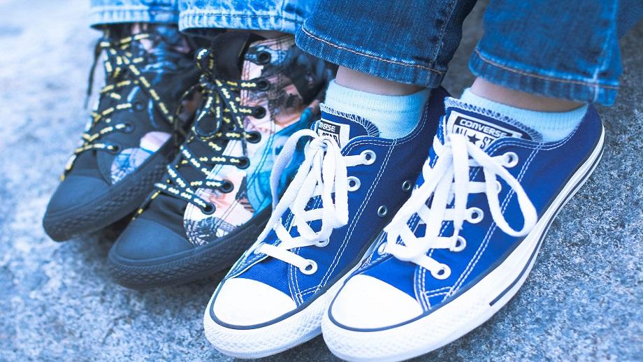 9 supermodnych sneakersów dla dzieci