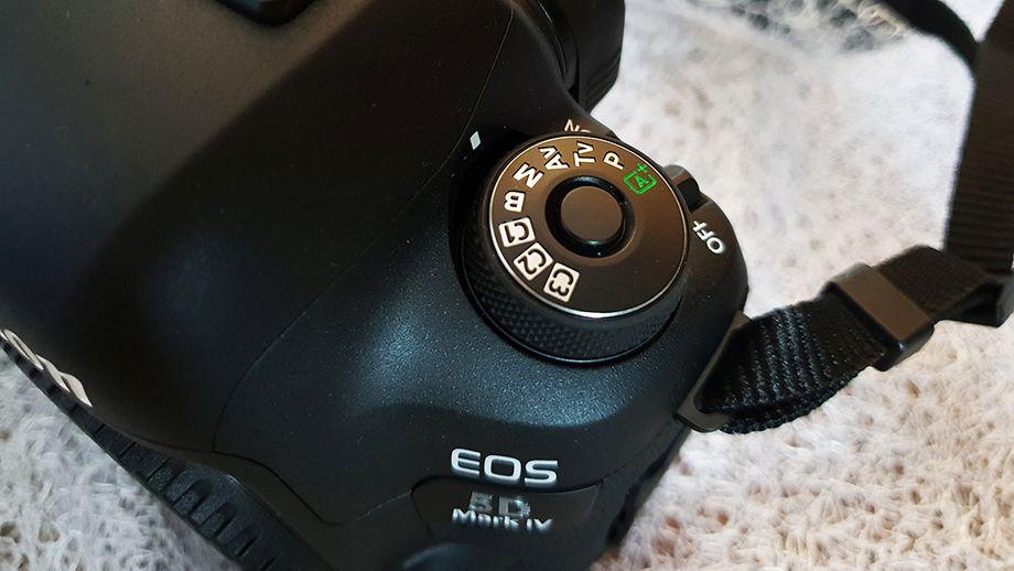 Canon 5 D Mark IV 6