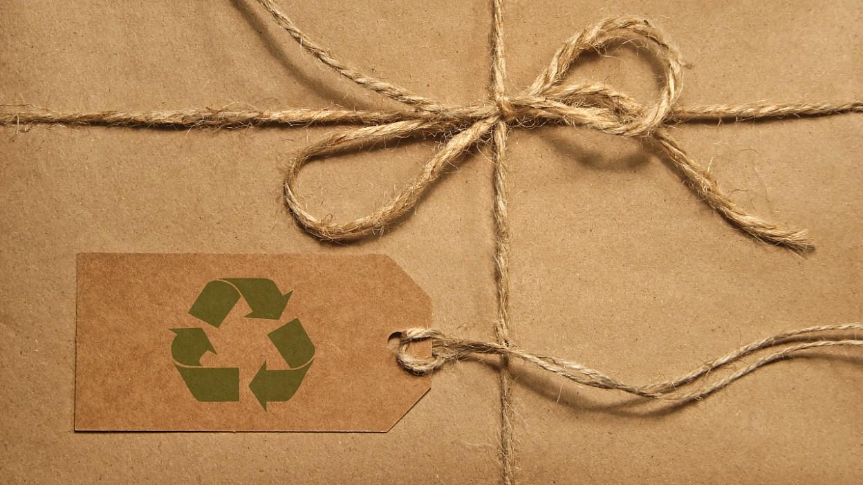 Jak pakować przesyłki w duchu zero waste?