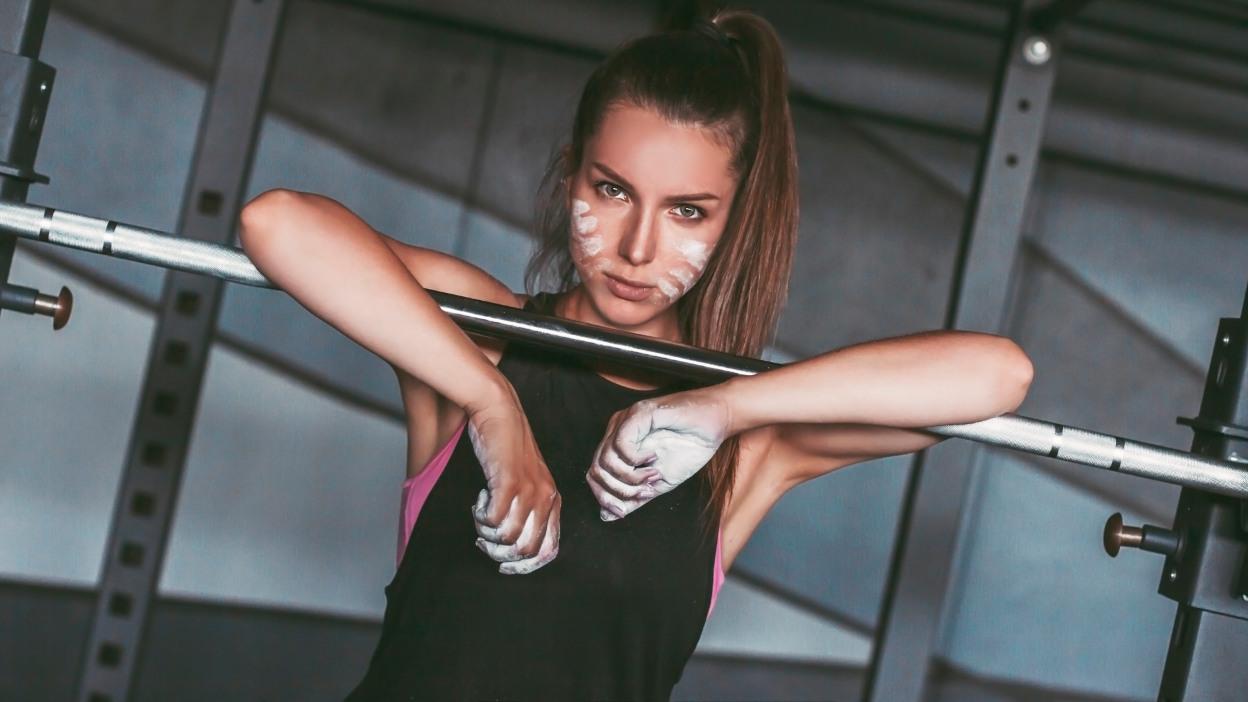 Jak dbać o dłonie na siłowni?