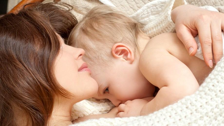 Kiedy i jak łagodnie odstawić dziecko od piersi?