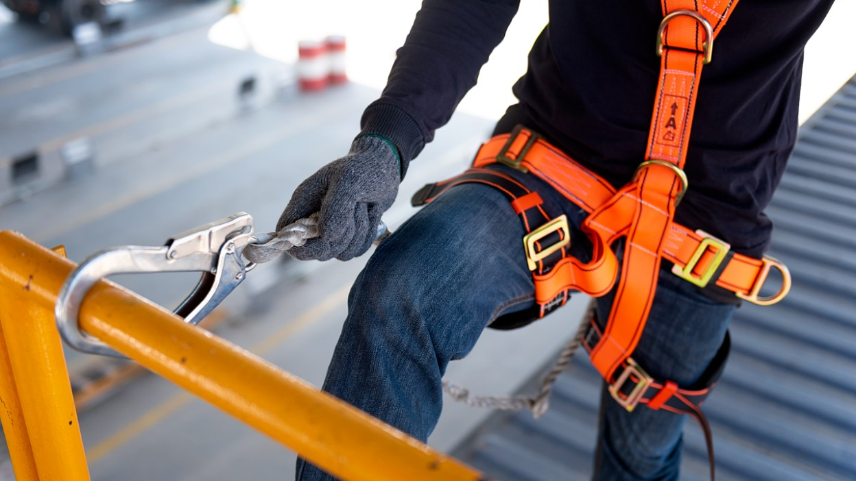 Jak dobrać szelki do prac na wysokości?