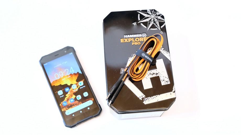 smartfon Hammer Explorer Pro przewód ładujący