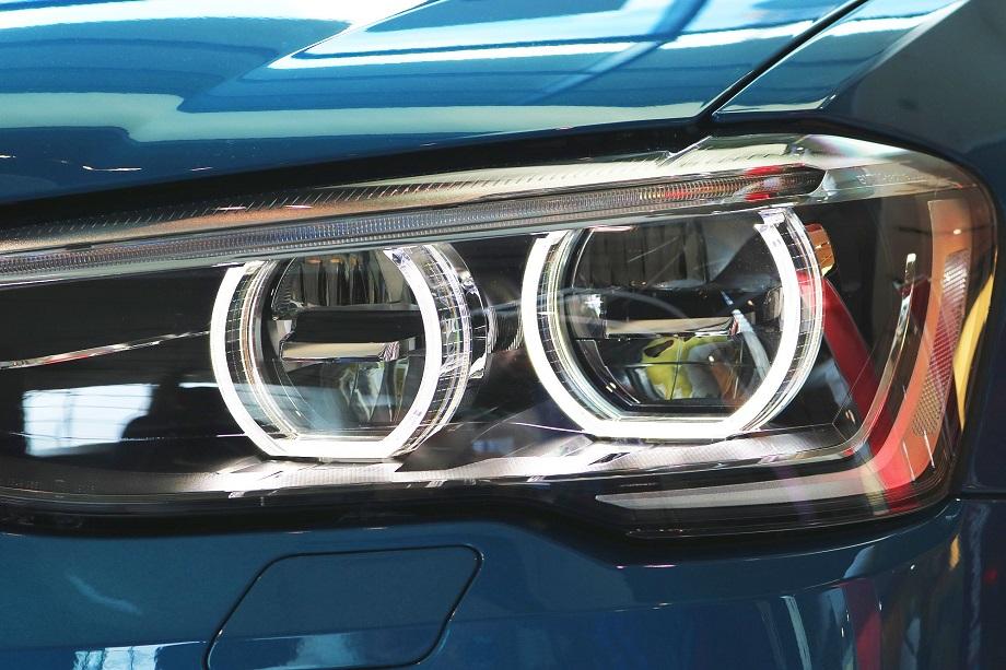 Ksenony czy LED-y do samochodu – jak działają i które są lepsze