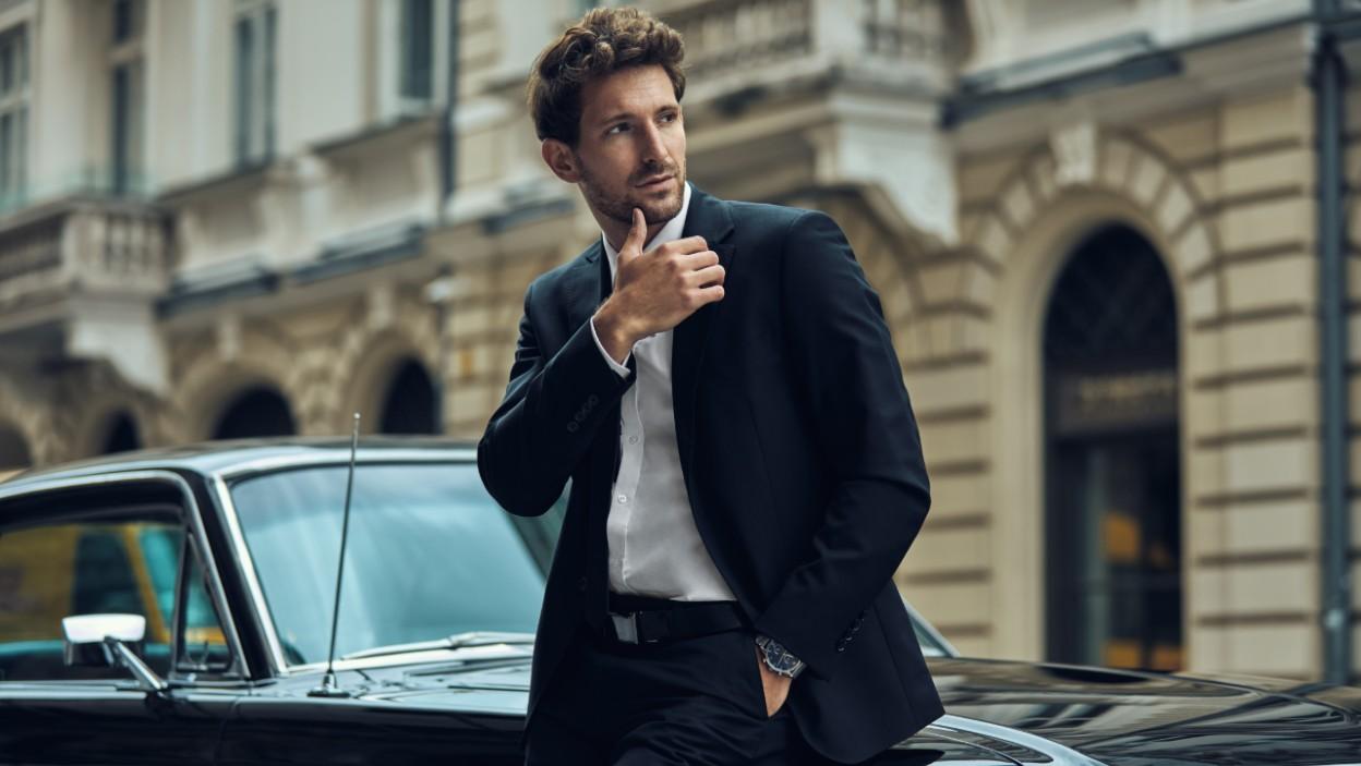 Świąteczna metamorfoza dla mężczyzny – od stylu formalnego po szykowny luz