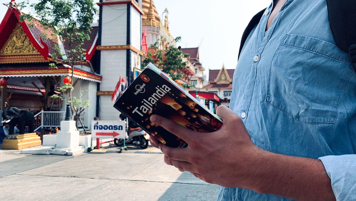 Lonely Planet. Najlepszy przewodnik dla podróżujących z plecakiem