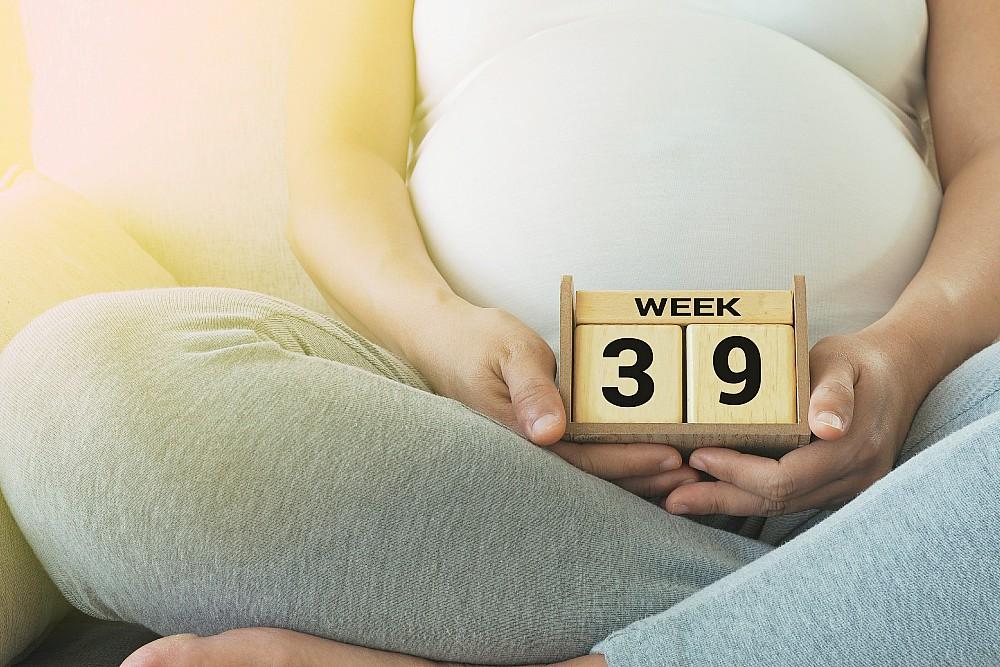 39 tydzień ciąży kobieta