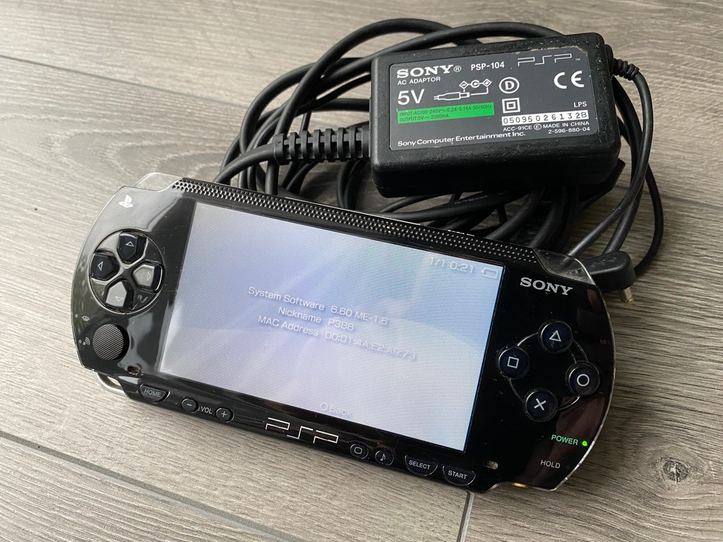 Item Game console Sony PSP 1004