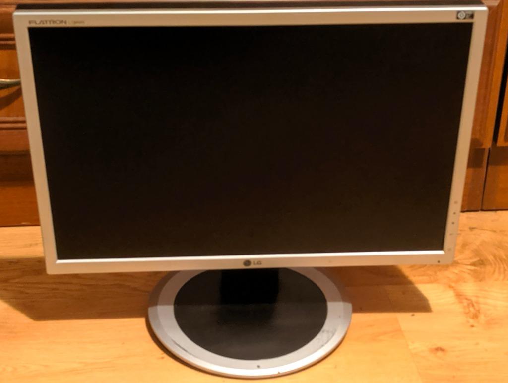 Monitor 19 Lg Flatron L194ws Stan Bardzo Dobry Kup Teraz Za 49 00 Zl Krakow Allegro Lokalnie
