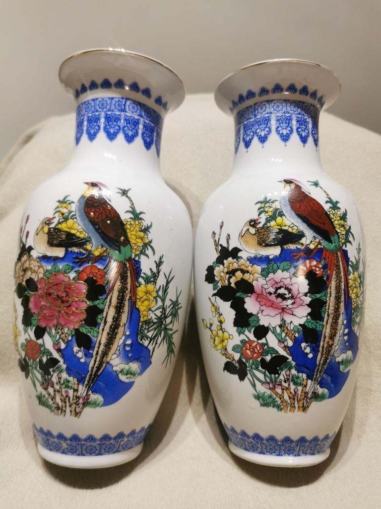 Chińskie wazony porcelanowe z motywem ptaków