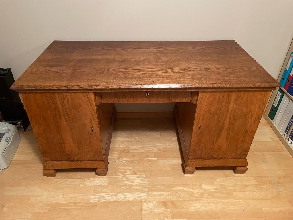 Biurko ART-DECO po renowacji z stylowym fotelem