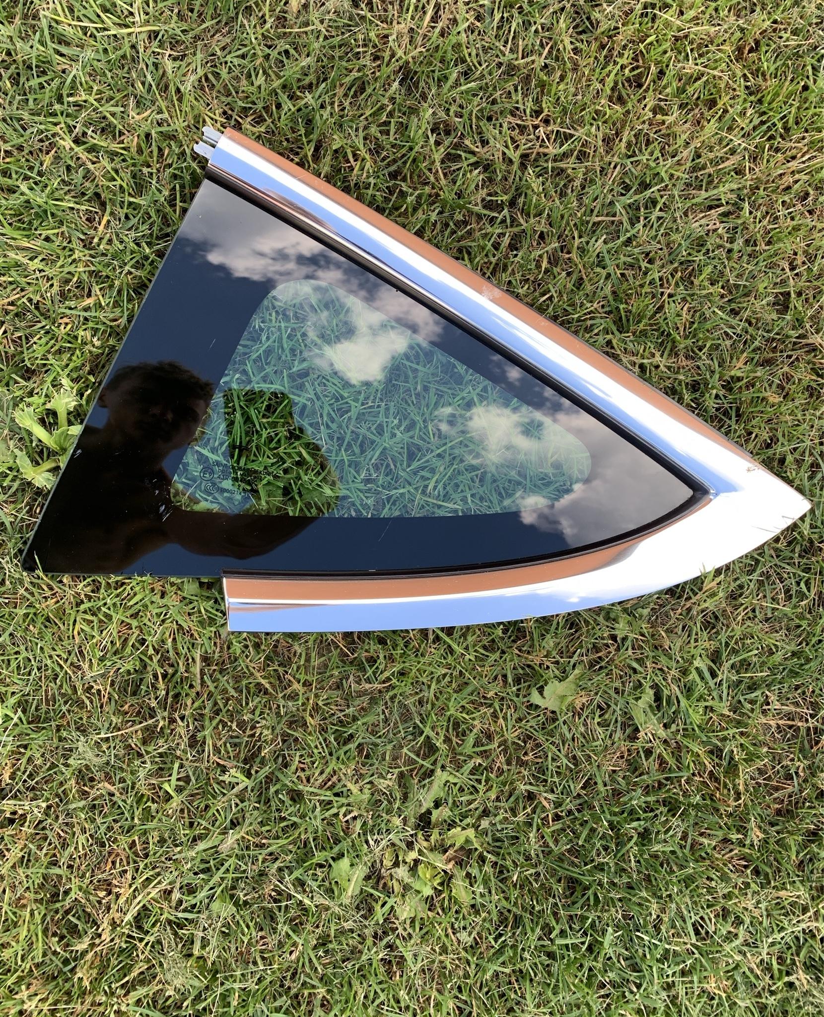 tesla 3 стекло karoseryjną треугольник левый