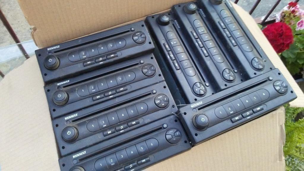 радио renault cd 12v комплект  magnum премиум kerax
