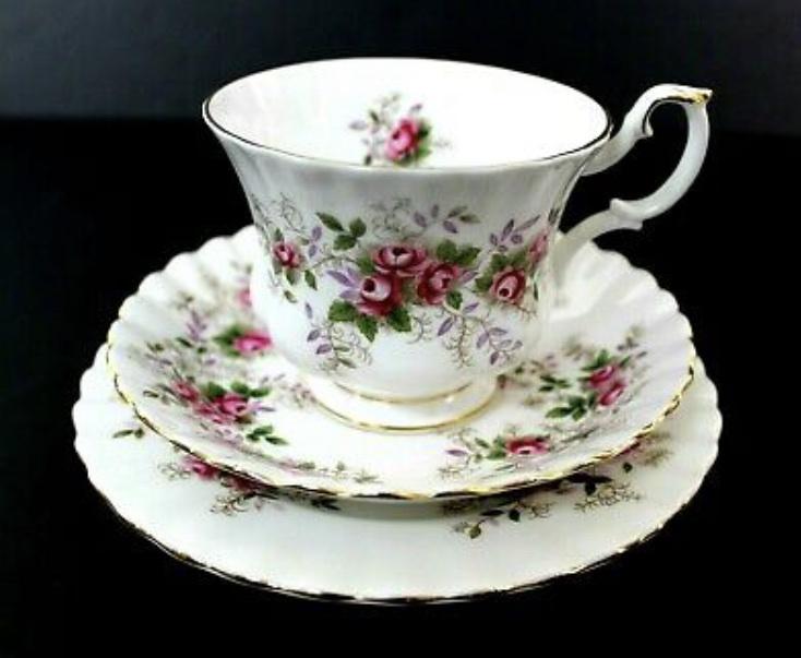 Filiżanka Royal Albert Lavender Rose Trio