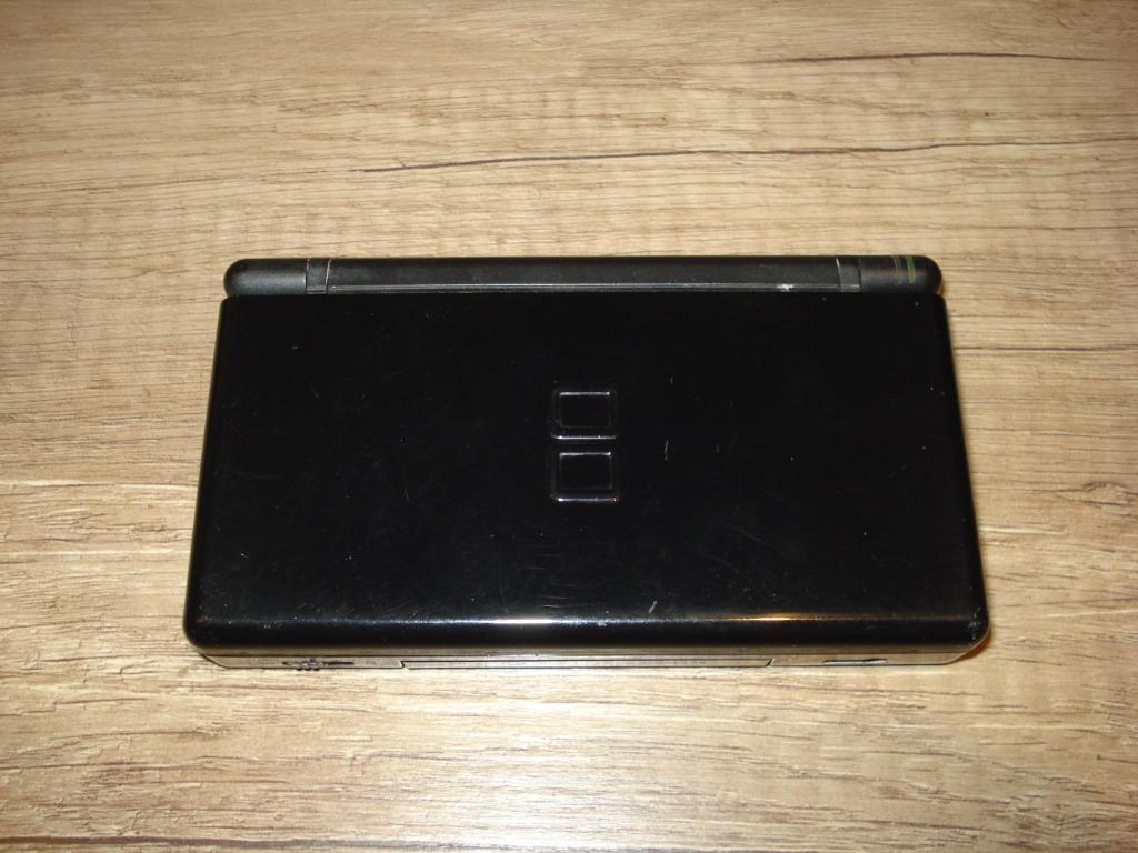 Купить Nintendo DS Lite на Otpravka - цены и фото - доставка из Польши и стран Европы в Украину.