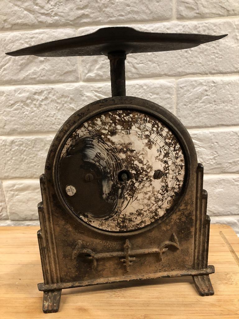 Старая шкала давления. Кухонные весы для ремонта.