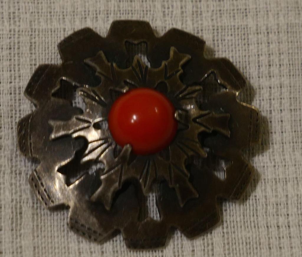 Broszka brosza srebrna kwiat koral Imago Artis cud