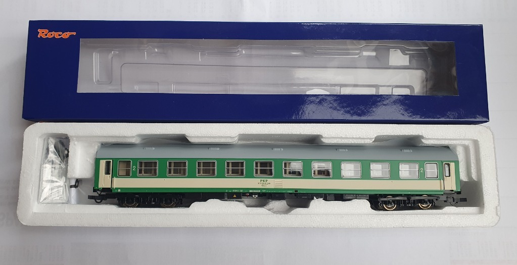 ROCO 64819 wagon osobowy 2 kl PKP