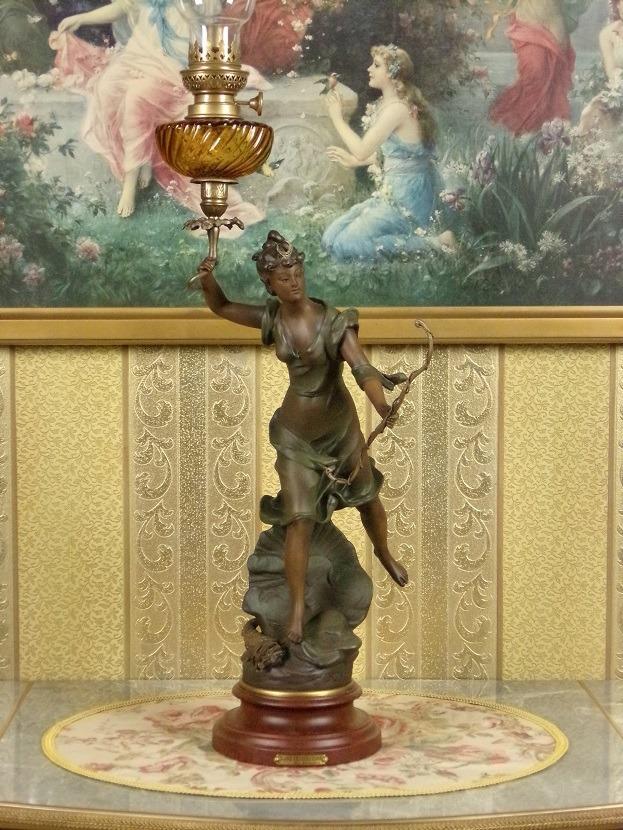 Duża lampa naftowa, bogini Diana, E.Rousseau, XIXw