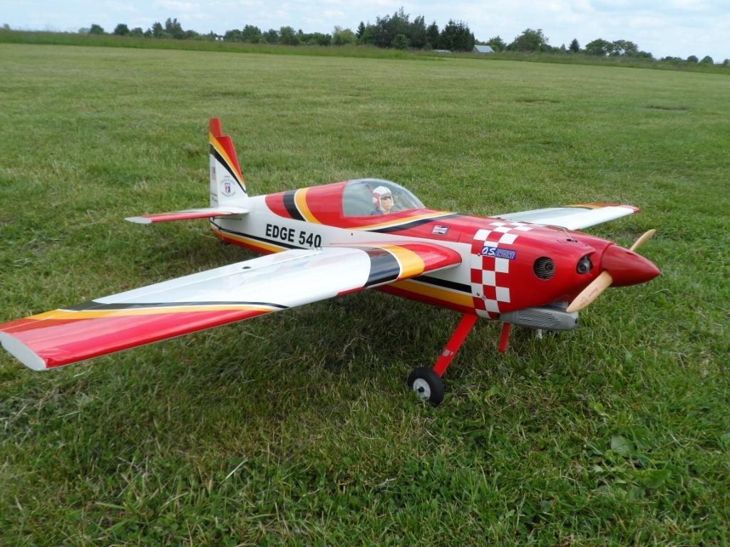 Модель Edge 540 Black Horse готова к полету