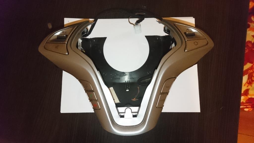 корпус руль hyundai ix20  bluetooth
