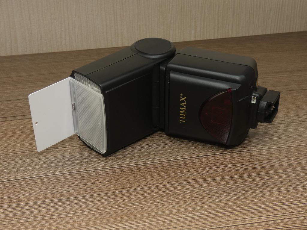 Item Flash Tumax DPT383 AFZ-TTL Sony alpha/ LIKE NEW
