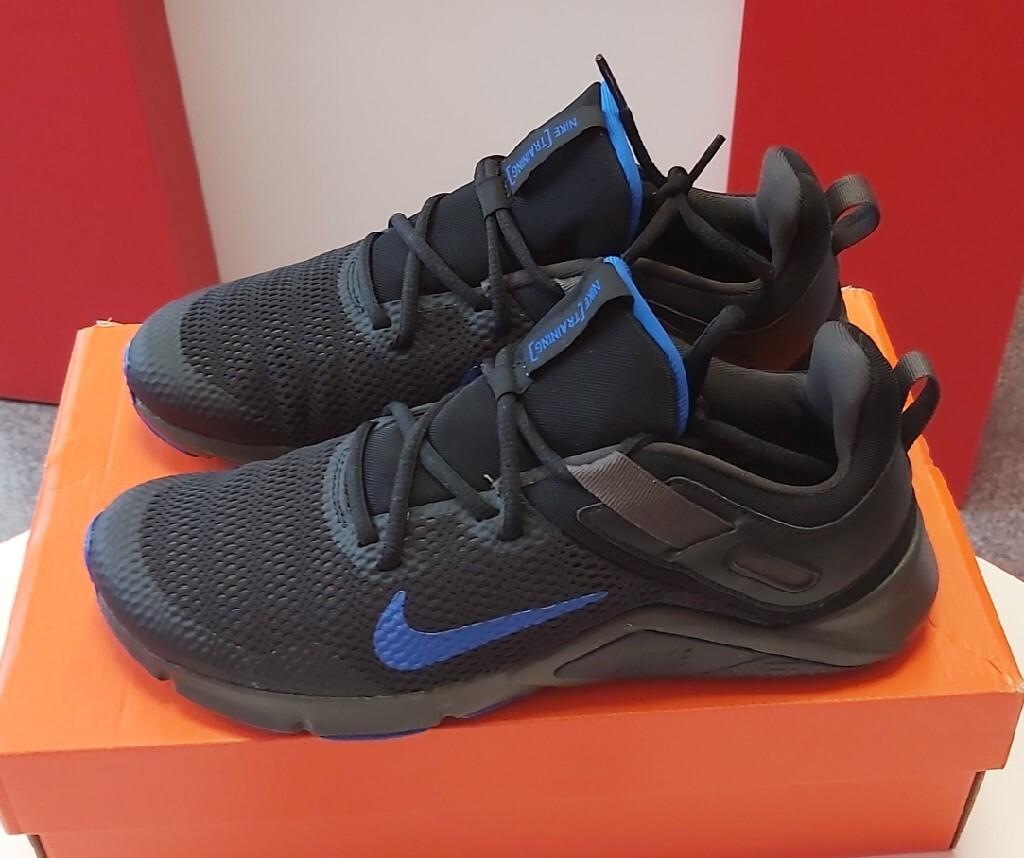 NOWE Nike Legend Essential, rozmiar 40 / 25cm