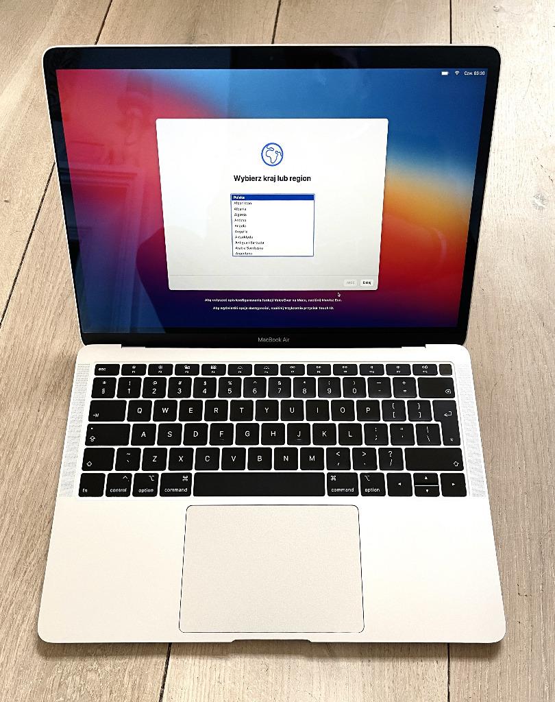 Купить Apple MacBook Air i5 / 8 ГБ / 256 / UHD 617 / Mac OS Silver на Otpravka - цены и фото - доставка из Польши и стран Европы в Украину.